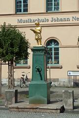 Musikschule Johann Nepomuk Hummel, Weimar (stephengg) Tags: germany thuringia weimar ochre wall green window frame red tile roof gold golden statue girl book reading