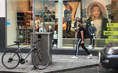 we are who we are (Rhisiart Hincks) Tags: bywydystryd streetlife buhezarstraed saolnasráide beathanansràidean vidaenlacalle kalebizitza corc cork corcaigh éire eirinn īrija iwerddon iwerzhon ireland irlanda ирландия 爱尔兰 írország airija 愛爾蘭 iwerdhon irsko ιρλανδία èirinn 愛爾 siop denda stal bùth shop siopa beic bicycle marc'hhouarn velo baidhsagal rothar fahrrad bicylette bizikleta divrodeg diwros deurod hysbyseb bruderezh fógra fógrán sanas ad advert advertisement reklama hysbysebu adverstising anúncio reklame reclame reklâm reclamă