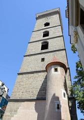 2318      Schwarzer Turm / Černá věž in Budweis / České Budějovice; er wurde als Wachturm und Glockenturm für die Nikolauskirche von 1549 bis 1577 von den Baumeistern Hans Spatz, Lorenc (ab 1555) und V. Vogarelli (ab 1565) errichtet. (stadt + land) Tags: schwarze turm černá věž wachturm glockenturm nikolauskirche baumeistern hans spatz lorenc vogarelli tschechien tschechisch stadt südböhmen denkmal innenstadt sehenswürdigkeiten impressionen moldau maltsch böhmen königsstadt brauerrei foto bild stadtfotografie reise christophbellin reisefotografie stadtportrait