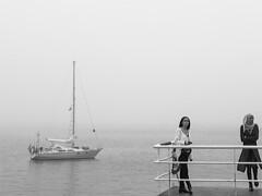 ... (Lanpernas .) Tags: mujeres donna woman niebla embarcadero misterio
