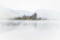 Kilchurn Castle on the banks of Loch Awe (MilesGrayPhotography (AnimalsBeforeHumans)) Tags: sonyfe2470f4zaoss atmosphere moody dalmally fog iconic mist lochawe britain landscapephotography castle landscape outdoors kilchurncastle photo historic phot historicscotland scotland scottishhighlands highlands scottish loch ilce7rm2 scottishlandscapephotography sonyflickraward uk photography unitedkingdom tranquil zeiss sonya7rii sonyilce7rm2 a7rii sony winter formatthitech