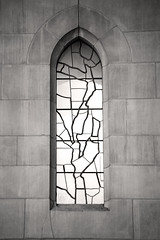 B&W Lone Cathedral Window 3-0 F LR 3-16-19 J085 (sunspotimages) Tags: cathedral cathedrals blackandwhite blackwhite bw monochrome window cathedralwindow windows cathedralwindows building archictural church churches churchwindow churchwindows monochromatic washingtonnationalcathedral nationalcathedral achectural buildings religion religious
