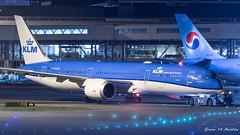 KLM B787 (Ramon Kok) Tags: 787 7879 ams avgeek avporn aircraft airline airlines airplane airport airways amsterdam amsterdamairportschiphol aviation blue boeing boeing787 boeing7879 dreamliner eham holland kl klm koninklijkeluchtvaartmaatschappij nightshot phbhc royaldutchairlines schiphol schipholairport thenetherlands luchthavenschiphol noordholland nederland nl