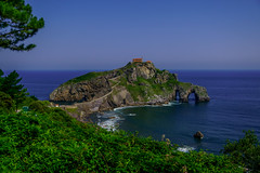 San Juan de Gaztelugatxe Lookout - filming location for HBO's Game of Thrones (Joshua Mellin) Tags: sanjuandegaztelugatxe gaztelugatxe san juan de bermeo biscay bay basque basquecountry bilbao spain spanish spanishbasquecountry gameofthrones dragonstone daenerys targaryen actress daenerystargaryen hbo show book books tv real life whereisdragonstoneinreallife reallife filming location locations filminglocaitons westeros history tour tours got finale season season8 stream joshuamellin joshmellin cnn travel cnntravel journalist writer photographer author josh joshua mellin instagram twitter media socialmedia verified iconic best photo photos pic pics picture pictures photograph photographs