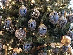 Faberge egg Christmas ornaments (sarahstierch) Tags: washingtondc hillwoodestate hillwoodmansion hillwoodmuseum hillwoodgardens museum historic house faberge eggs christmas ornaments decoration