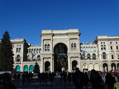 Milano (51) (pensivelaw1) Tags: italy milan statues trump starbucks romanruins thefinger trams cakes architecture