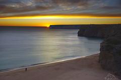 Acantilados Cabo San Vicente (puma3023) Tags: portugal cabo san vicente acantilados playa puesta de sol