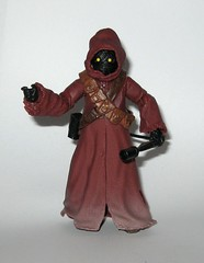 jawa star wars the black series #61 6 inch figure red packaging a new hope basic action figures 2017 hasbro d (tjparkside) Tags: jawa jawas star wars black series 6 inch figure collection red 61 packaging new hope basic action figures 2017 hasbro blaster pistol rifle ion weapon weapons cloak robe hood mosc scavenger scavengers anh tatooine desert scrap sandcrawler sandcrawlers