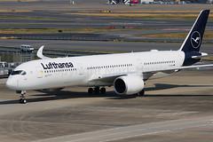 Lufthansa Airbus A350-941 D-AIXJ (Mark Harris photography) Tags: spotting plane hnd haneda jpn aviation canon