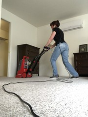 95/365 (boxbabe86) Tags: shadowpines cleaning newhouse iphone8plus 10secondtimer timer dougroad carpetclean friday april