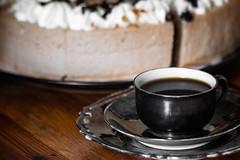 Kaffeezeit (DasWarmblut) Tags: kaffee coffee brake time tea tee essen food sugar torte kuchen cake holz coffein drink getränk sweet süs braun brown cup tasse