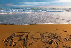 Que pelotas que soy, jj (angelalonso57) Tags: canon powershot g1 x mark ii 125625mm ƒ80 125 mm 180 100 cielo sky mar mare sea water agua azul blue mediterraneo luminosa colores dorado arena celeste social