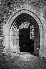 Gothic door (gotan-da) Tags: castle ruins gothic 14thcentury medieval blackwhite schwarzweiss noiretblanc blackandwhite bw monochrome door