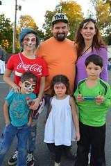 Half with face paint (radargeek) Tags: plazadistrict dayofthedead 2018 october festival kid kids child facepaint bluehair cocacola tshirt skull unicorn family portrait