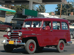 Willys Jeep wagon (D70) Tags: parade burns oregon usa willys jeep wagon suv