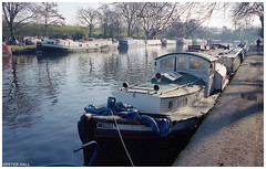 73090 (peterphotographic) Tags: img012edwm 73090 leica m6 leicam6 summarit summaritm35mmf25 ©peterhall riverlea riverlee lea leanavigation walthamstow e17 eastlondon london england uk britain ship boat vessel canal river towpath mooring harbour morning 35mm prime kodak portra portra400 kodakportra400