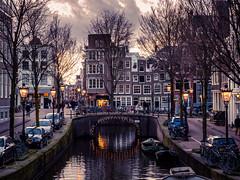 A0153081 (rpajrpaj) Tags: amsterdam city netherlands nederland nederlandvandaag bluehour thebluehour cityscape citylights