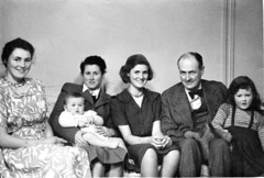 Family_1948c_e (pcgn7) Tags: janet piers jane laura leslie hari nye 1948 annatlodgepossiblypennylands