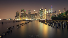 New York Skyline (Andrés Domínguez Rituerto) Tags: newyork unitedstates night nightphotography longexposure skyline water