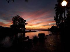 Sunrise (Fabio I. Fernandes) Tags: sol amanecer sunrise amarilho sun nascer do mañana morning yelow amarillho naranja telefono sansung