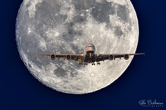British Airways @ Supermoon (pbuschmann) Tags: supermoon 1000mm a380 fullmoon lax finalapproach landing 24r ba britishairways speedbird composition