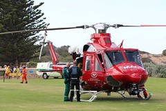 Crew (adelaidefire) Tags: horseshoe bay fleurieu peninsula south australia helicopter bell 412er bell412er port elliot country fire service australian cfs sacfs sa state emergency ses coast surf life saving association slsa ambulance saas medstar mac motor accident commission retrieval vhvas