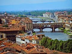 Ponte Vecchio (Donald Plourde) Tags: florence firenze rivière arno river fiume italie italia italy ponte vecchio
