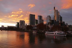 Frankfurt, am Main (JB Fotofan) Tags: fz1000 lumix skycrapper hochhäuser ship schiff main fluss river evening abend sunset sonnenuntergang frankfurt