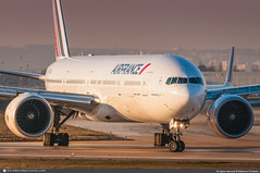 [ORY.2019] #Air.France #AF #Boeing #B777 #B773 #F-GZNL #awp (CHRISTELER / AeroWorldpictures Team) Tags: airfrance af france french airlines european avion plane aircraft airplane planespotting christeler planespotter avgeek aeroworldpictures aviation paris orly ory lfpo airport sunset rwy08 run ge boeing b777 b773 er msn400631001 fgznl nikon d300s nef raw nikkor 70300vr lightroom goldenhours
