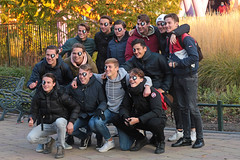 WAB Plaza - Walibi Holland (Netherlands) (Meteorry) Tags: europe nederland netherlands holland paysbas flevoland biddinghuizen walibi walibiholland walibiflevo themepark park parc parcdattractions fun halloween frightnights walibifrightnights horror event eddie evil scary creepy macabre terrifiant effrayant fantomatique horreur october 2018 meteorry wabplaza people group guys male mates lads boys teens twinks cute sneakers baskets trainers skets