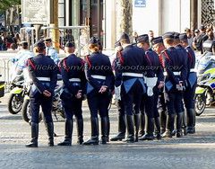 "bootsservice 18 800698 (bootsservice) Tags: uniforme uniformes uniform uniforms bottes boots ""ridingboots"" motard motards biker motorbike gants gloves police policier policiers policeman policemen parade défilé ""14 juillet"" ""bastilleday"" ""champselysées"" paris"