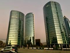 Parque Titanium (a l o b o s) Tags: santiago de chile park parque titanium edificio torre 2018