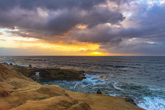 Last Sunset of 2018 (slworking2) Tags: sandiego california unitedstates us sunset beach cliffs ocean pacific water coast sun sky clouds weather