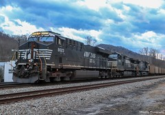 J74 coupled to the rear of U47 to give them a push towards Norton. (Railroad Gal) Tags: norfolksouthern nsj74 ns8023 ns9035 ns4041 es44ac d944cw ac44c6m pusherset pushercrew coaltrain railroad railfan railfanning femalerailfan railroadtracks appalachianmountains norfolksouthernclinchvalleysub norfolksouthernappalachiadistrict appalachian wisecountyva appalachiava va vaisforlovers southwestva mountains landscape evening clouds winter rocks trees locomotives locomotive diesellocomotive