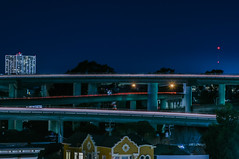 pill hill transfers (pbo31) Tags: bayarea california eastbay alamedacounty nikon d810 color night black dark january 2019 boury pbo31 oakland pillhill lightstream motion freeway exchange overpass expressway 580 980 24 traffic blue