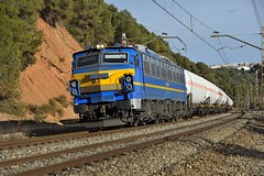 LA REINA (Andreu Anguera) Tags: ferrocarril tren butano 25104 lareina renfe montornes tarragona castellbisbal laseses barcelona catalunya andreuanguera