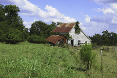 (farenough) Tags: abandoned georgia house home rural rurex decay forgotten history memory explore wander old farmhouse photo blue cloud sky rusted tin roof country discover historic architecture