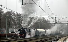 VSM 52 8139 (1943) (XBXG) Tags: vsm 52 8139 528139 baureihe baureihe52 veluwsche stoomtrein maatschappij 1943 arnold jung lokomotivfabrik gmbh ag jungenthal heusinger trofimoff deutsche reichsbahn geschellschaft drg spoorwegen 2018 apeldoorn beekbergen lieren nederland holland netherlands paysbas train trein tren steamtrain steam dampflok railway railways railroad railroads spoor locomotive outdoor zug vapeur locomotief rail rails engine stoom bahn eisenbahn winter rit winterrit kerstrit kerst kerstmis xmas