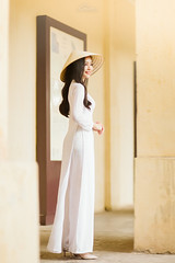 IMG_1561 (Call me CHOW) Tags: happy dress beauty blond female long hair carefree young women wavy fashion model beautiful people portrait ao dai aodai girl hanoi vietnam sunny yearbook smilling smile sunset lookbook pretty posing face