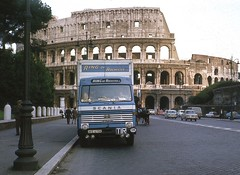 At the Colosseum (SemmyTrailer) Tags: ake675k lb 80 scania ring rochester kent removals rome colloseum cf bedford bedfordcf