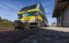 NMBS 2749 awaiting it's departure at Essen Railway Station (Nicky Boogaard) Tags: hle27 belgischespoorwegen belgie belgium nmbs ic nmbs2749 nmbsm4 m4rijtuig