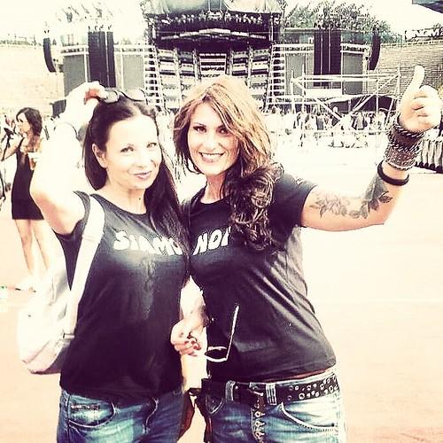 @pamypam 🌹 @simona  #concerti #rock #dalvivo 🎸 #rocknroll #rockitaliano #musica 🎥#elettritv💻📲 #live #rockgirls #tattoo #webtv #stadio 😈 #diavolette #webtvmusicale 🙌 #girls #sottosuolo :zap