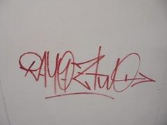 948 (en-ri) Tags: rayoz two gelo crew tag arrow rosso torino wall muro graffiti writing
