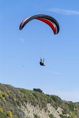 2014-06-06_15-03-35 Paraglider (canavart) Tags: canada britishcolumbia bc victoria paraglider paragliding paragliders dallasroad dallasrd bluffs bluesky spiralbeach