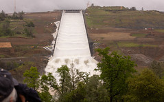 Oroville Spillway. (Dan Brekke) Tags: oroville orovilledam orovillespillway featherriver statewaterproject sacramentovalley northerncalifornia dams water