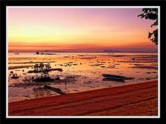 coucher de doleil ( sunset) (hcortade) Tags: thailande voyage travel ile island monde world coth5 samui soleil sunset coucherdesoleil plage playa mer beach rose orange rouge pink red groupenuagesetciel