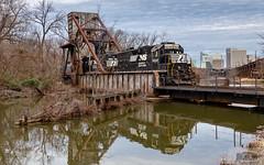 NS V24 Shiplock GP38-2 5646 (HeritageNY) Tags: richmond virginia unitedstatesofamerica us kanawha canal ns standard cab emd gp382 train james river bridge
