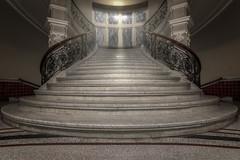 Marmorerguss (Blacklight Fotografie) Tags: staircase stairwell stairs stair treppenhaus treppe treppen travel reise reisen city stadt cottenstairs stufen marmor geländer hdr architektur architecture