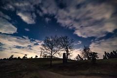 Sternenhimmel über dem Raßberg (clemensgilles) Tags: availablelight night nightphotography astrophotography astrophotographers astrofotographie longexposure beautiful clouds stargazing starlight deutschland eifel germany