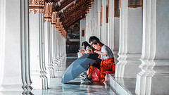 Random Thailand 28 (Andy LX) Tags: travel thailand street photography canon rebel t5i andy lui xu andyman colors gente fotoañadir personas
